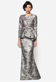 HUNTING: Grace Kelly by Jovian Mandagie (Kelsie in Grey)