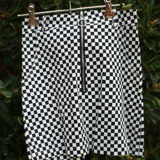 Checkered O-ring Detail Skirt