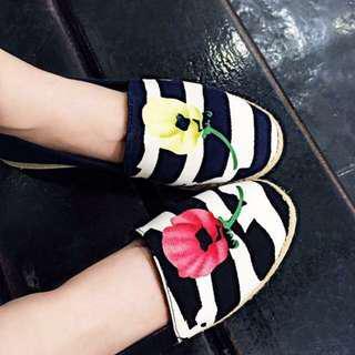 韓 條紋花花 鞋
