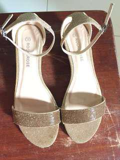 Wedding shoes (wedge gold) used once