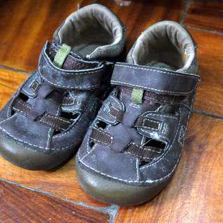 Stride Rite brown shoes, US 5