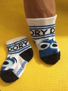 Kaus kaki bayi Finding Dory Disney