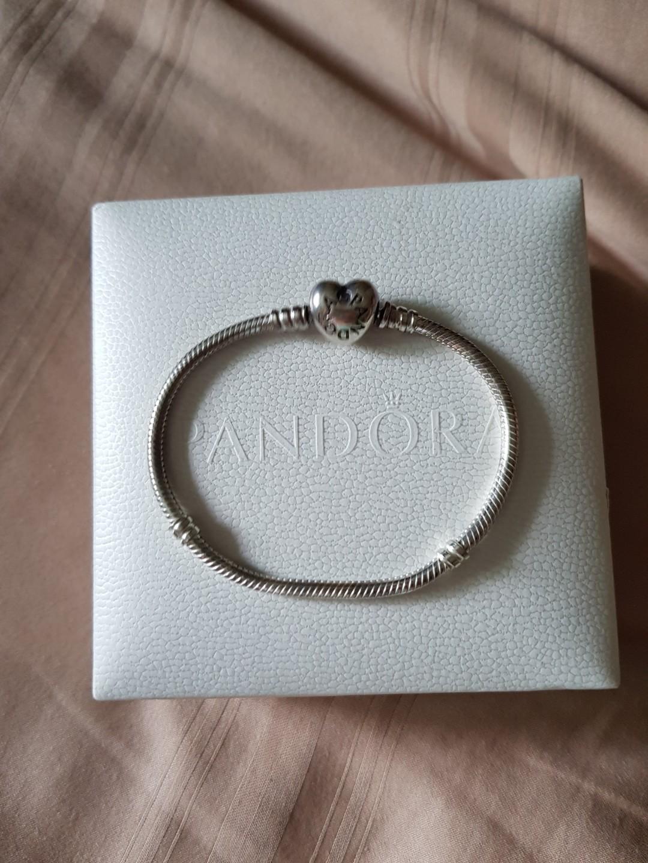 46ed11dde 17cm Pandora Bracelet, Women's Fashion, Jewellery, Bracelets on ...