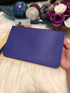 Louis Vuitton Neverfull Pochette in Epi leather