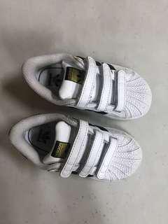 Adidas 7/23.5