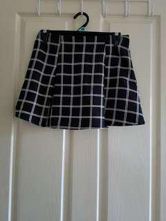 Black&White Plaid Mini Skirt, Fits 8-10