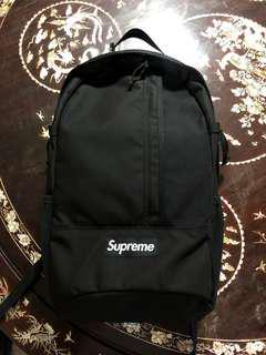 Supreme (SS18) Black Backpack 2mths old