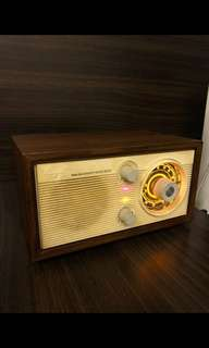 High sensitivity FM Radio with Built-in Amplifier and Pinewood Box