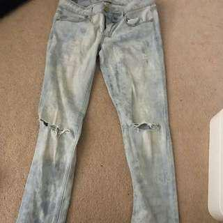 Light Wash Distressed American Eagle Jeans