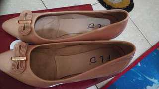 Sepatu FLD uk 38