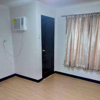 Pasalo: One-Bedroom Condo For Sale