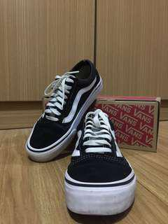 Authentic Old Skool Vans Black and White