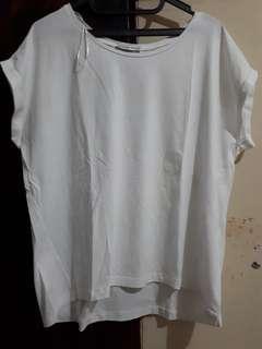 Kaos Zara warna putih