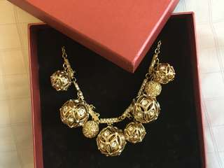 Artini Gold-colour Crystal Necklace