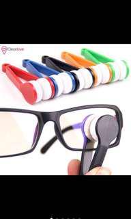 Eyeglass spectacle mircofiber cleaner