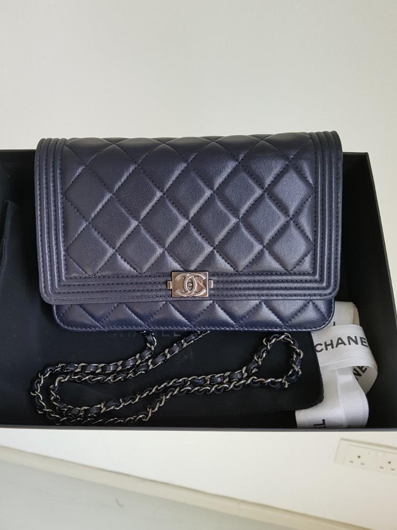 e9cb6c13341c Authentic CHANEL BOY WALLET ON CHAIN. Full set (dark blue), Luxury ...