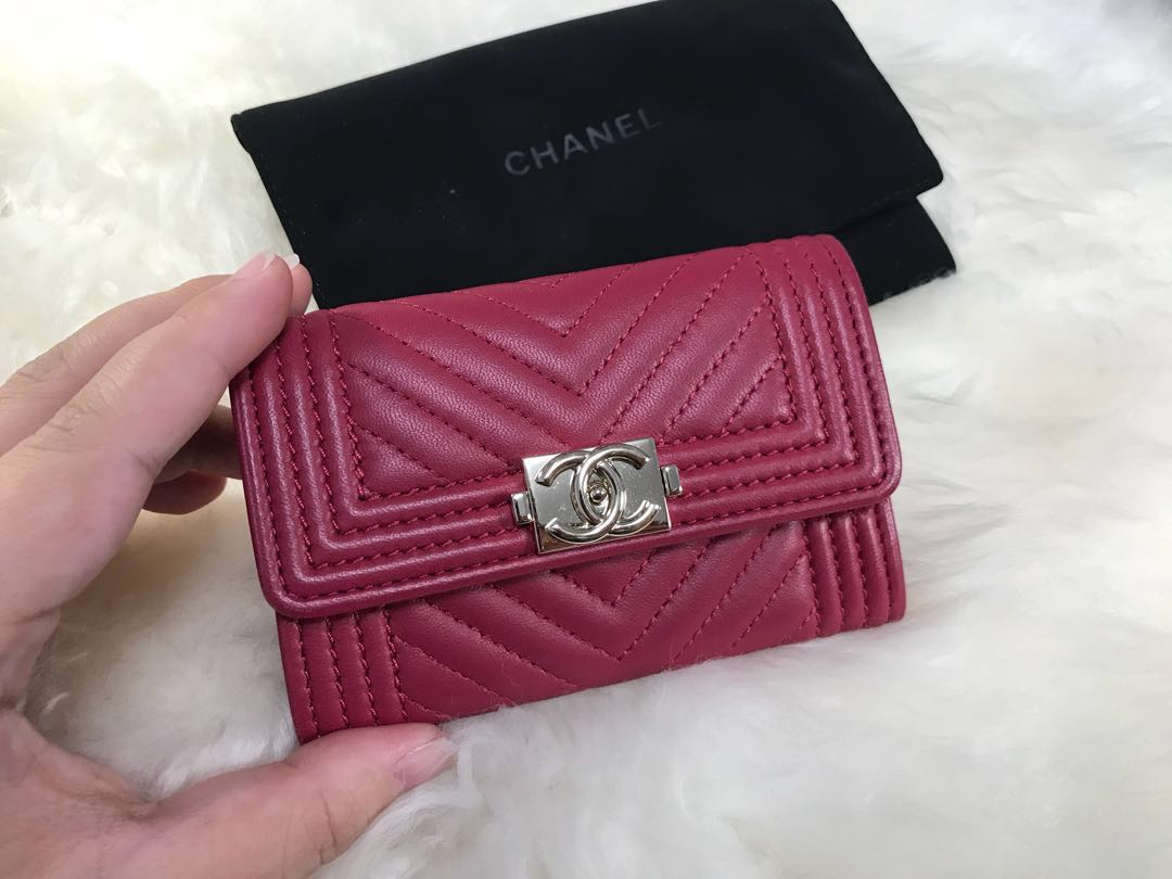 715914c56f91 Chanel Boy Pink/Fushia Card Holder/Card Case/Coin Purse in the chevron  print lambskin, Luxury, Bags & Wallets, Wallets on Carousell