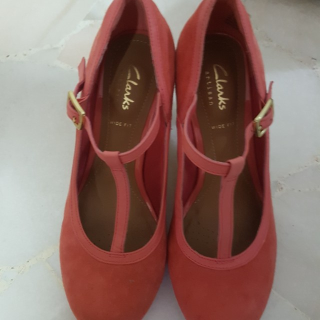 Clarks artisan wide fit pink mary jane