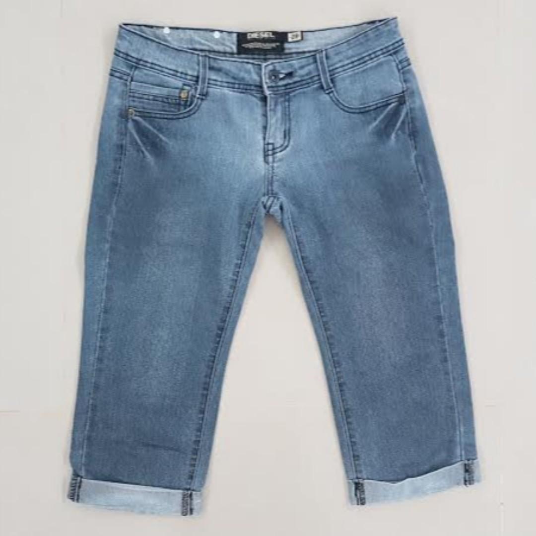 b4cacba7300 Diesel Denim Jeans Ladies   3 4 Pants   Bermudas Size 28