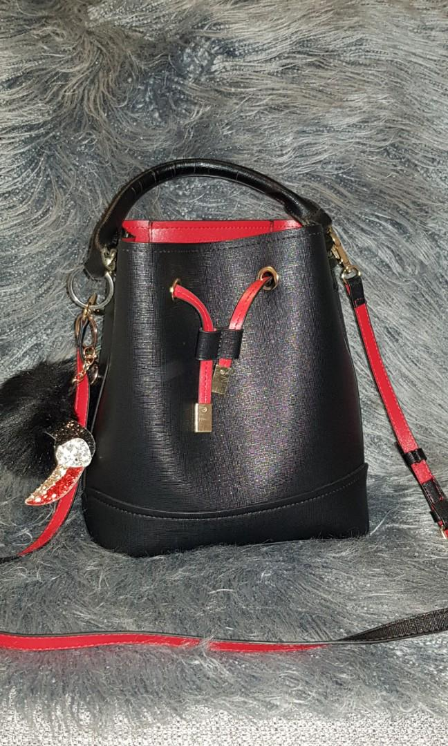 Forever 21 black red faux bucket bag with handle