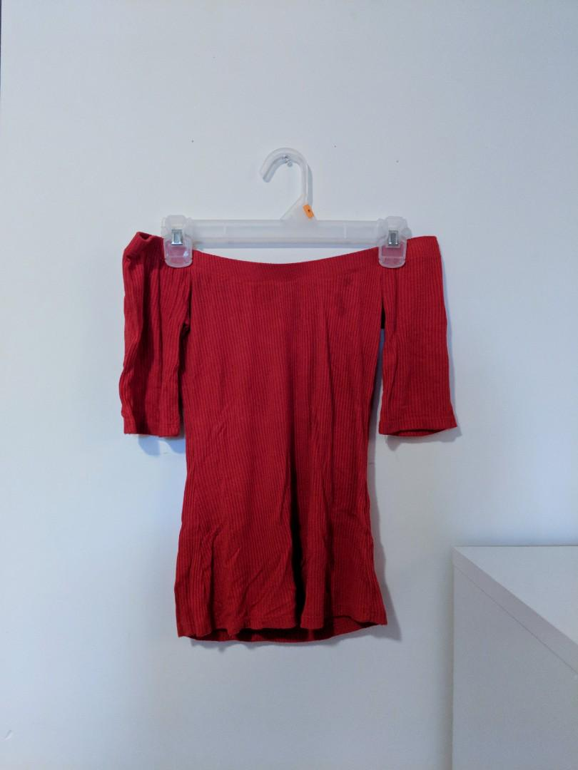 Guess Red Off-Shoulder Ribbed Top (Size M)