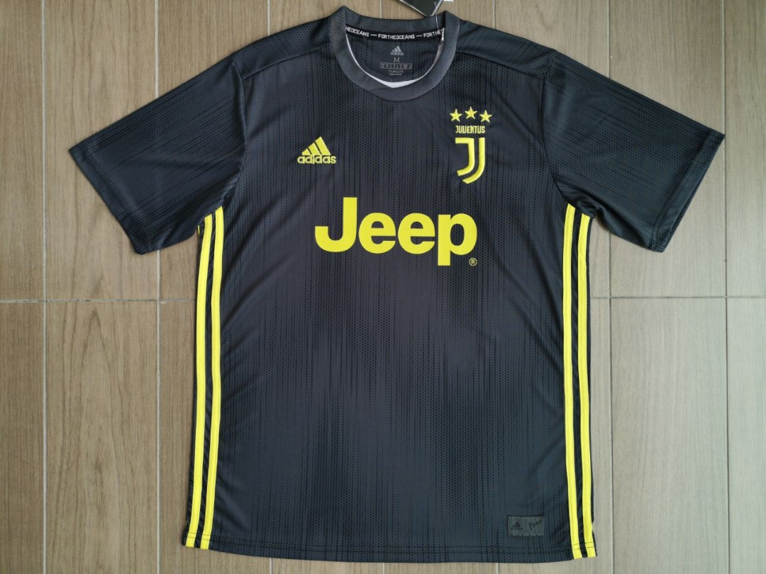 new product fcd72 f2516 Juventus 3rd Jersey