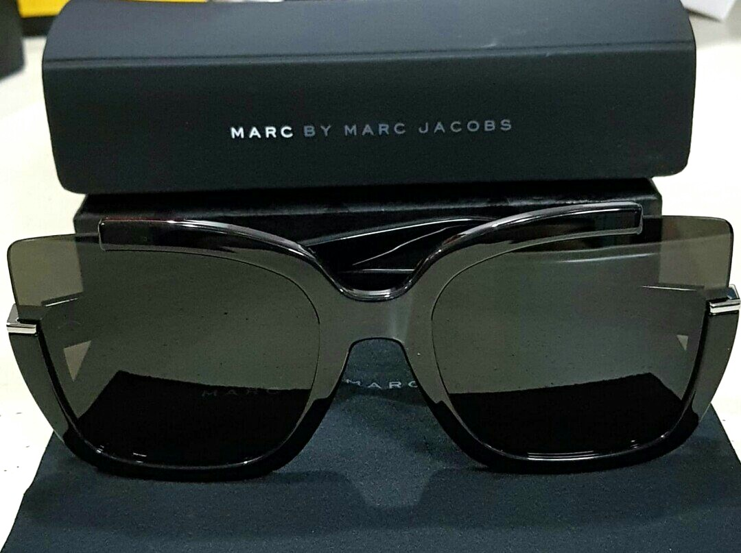 02f9945c6e Marc by Marc Jacobs Oversized Sunglass (Women) Auth   New!