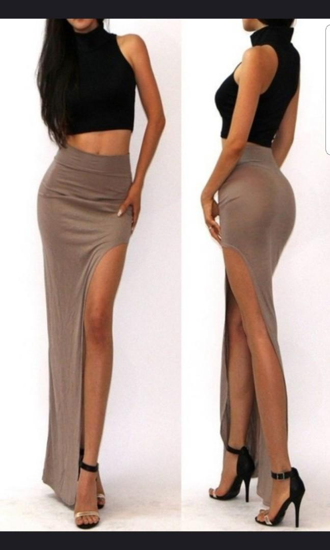 Maxi skirt with split