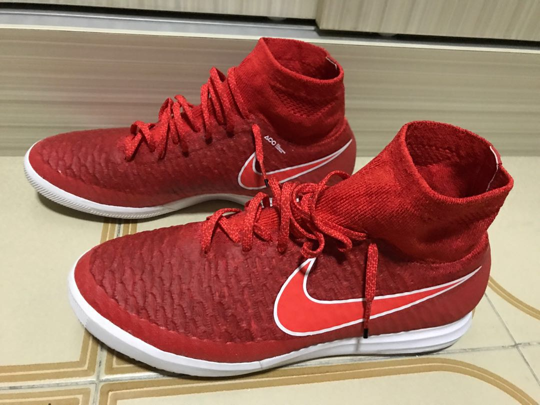 2f88d3a5d67b Nike MagistaX Proximo IC (Chilling Red Bright Crimson White)