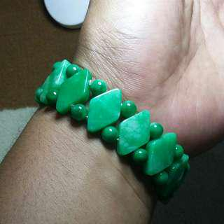 Gelang jadeite jade (Giok Asli)