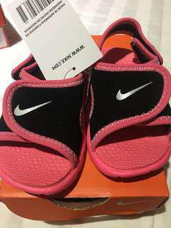 🚚 Nike 超可愛粉紅涼鞋10cm