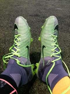 HK$280 ~ Used Nike football boots FG  size US/10, EUR/44