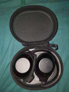 Sony MDR-1000x selling cheap
