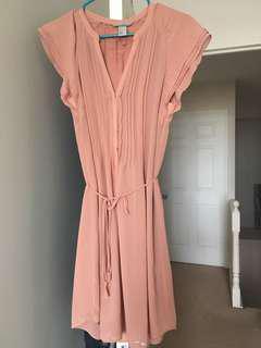 Selling H&M dress size 6