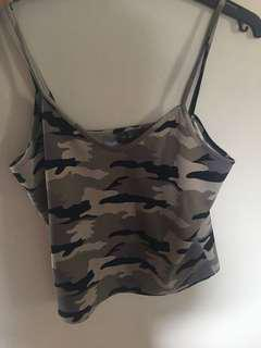 Cropped camo singlet