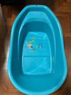 Baby Bath Tub with bath mat