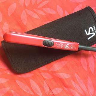 Hair straightener (travel size)