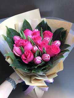 Pink tulips and dark shocking pink roses bouquet