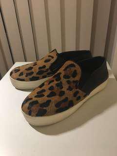 Steve Madden leopard slip on