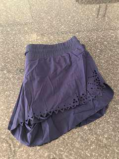 Lorna Jane light weight run shorts