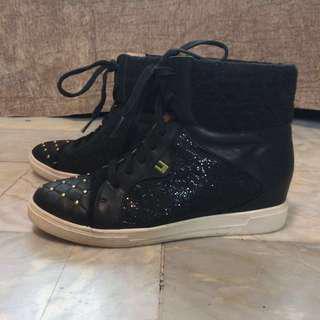 Le Bunny Bleu Leather Sneakers (w/ Secret Heels)