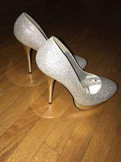 Brand new women's heels