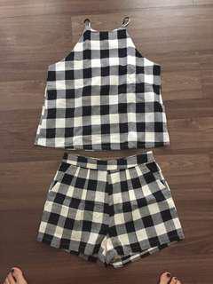 Checkered set