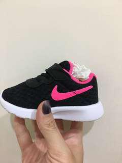 🚚 Nike 黑色粉紅底球鞋10cm