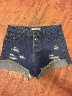 🚚 50元便宜大拍賣⚡️排扣牛仔短褲