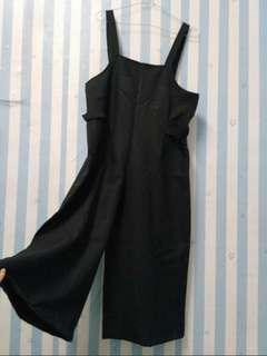 Overall black cullotes