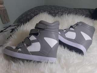 Sneaker wedges griffabel