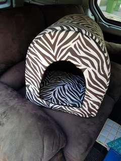 Cosy cat cave