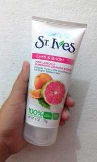 St. Ives - Even & Bright (Pink Lemon & Mandarin Orange Scrub)