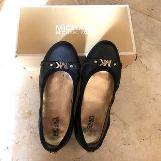 Michael kors black flat shoes